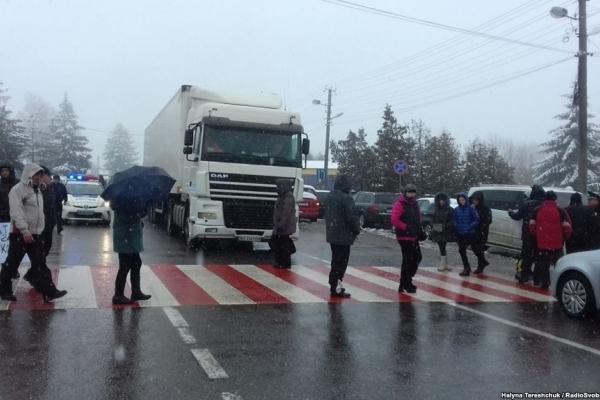 Акції протесту біля 4 пунктів пропуску на кордоні з Польщею завершилися – МВС
