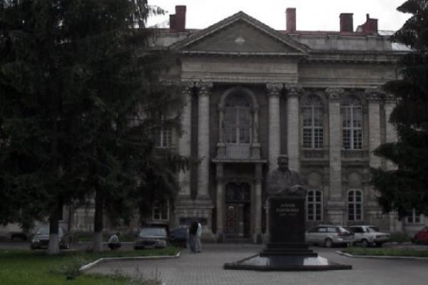Нацполіція провела обшуки в офісі головного лікаря Львівської обласної клінічної лікарні