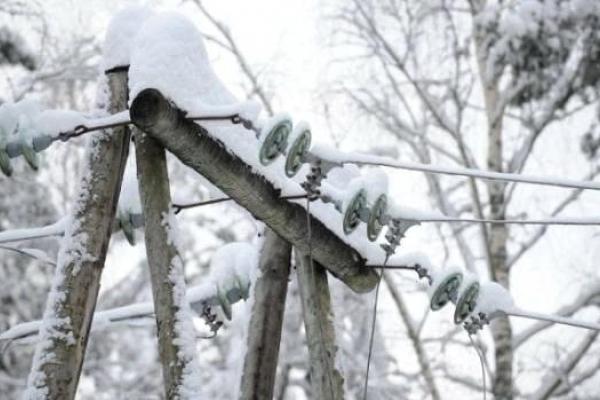 Внаслідок негоди на Львівщині знеструмлено понад 220 населених пунктів