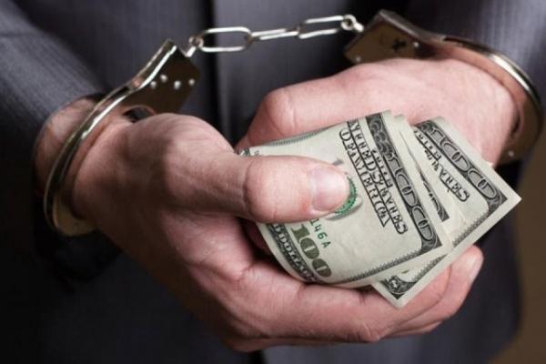 На Львівщині судитимуть голову міськради, який хотів дати дві тисячі доларів хабара правоохоронцям