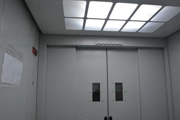У Львові замінять ліфти у двох лікарнях
