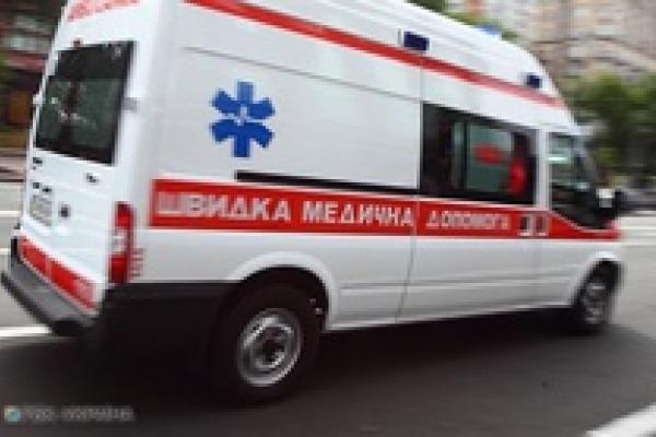 У Львові на дівчину обвалився фасад будинку