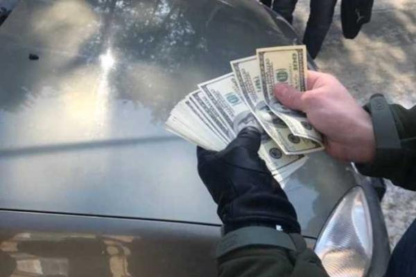 Військовому прокурору Львівського гарнізону «запропонували» 5 тисяч доларів