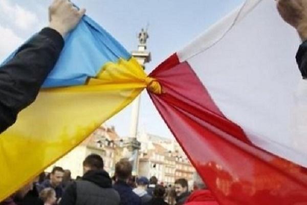 Україна і Польща: молодь цінує безпеку більше, ніж демократію
