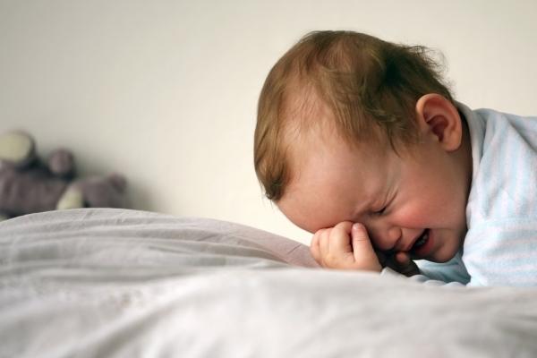 На Львівщині двомісячний малюк опинився зачиненим у квартирі