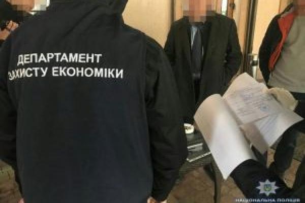 Понад сто тисяч грн вимагав голова однієї із районних адміністрацій у Львові за послуги «особистого характеру» (Фото)