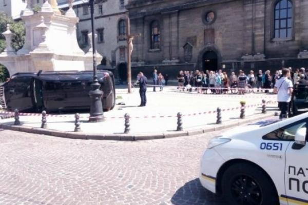 Суд виніс вирок екс-правоохоронцю, який у центрі Львова на смерть збив жінку