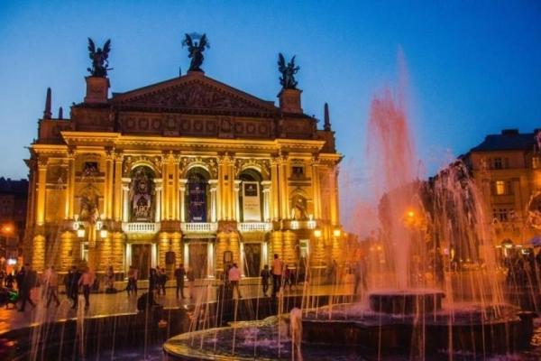 Знайомства у Львові: ТОП-8 місць, де можна зустріти свою половинку