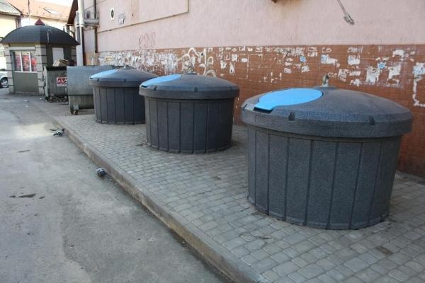 У центрі Львова планують встановити підземні контейнери для сміття