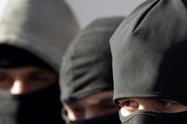 У Львові четверо зловмисників пограбували перинатальний центр