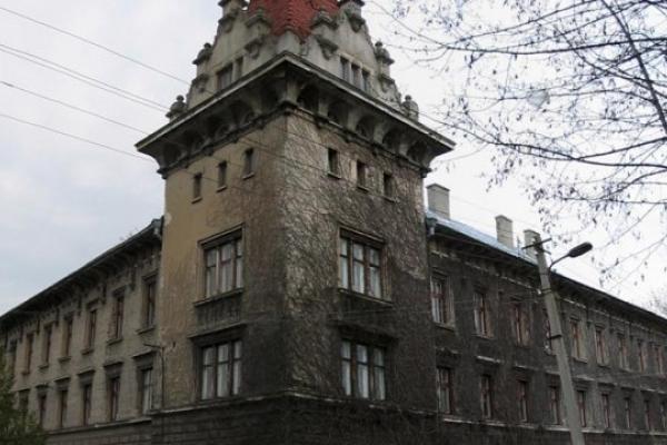 Студенти Бродівського коледжу анонімно поскаржились на корупцію в навчальному закладі