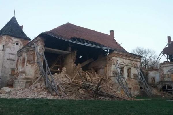 Зникла ще одна історична пам'ятка на Львівщині: у Поморянському замку обвалилась стіна (Фото)