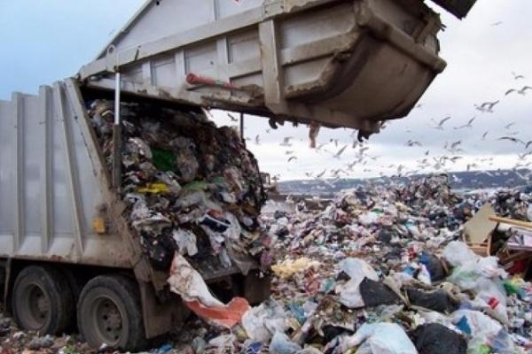 На Грибовицькому сміттєзвалищі знову «кип'ятять» і незаконно вивозять небезпечні гудрони (Фото)