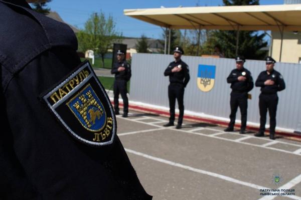 Патрульні виявили викрадений у Львові автомобіль BMW