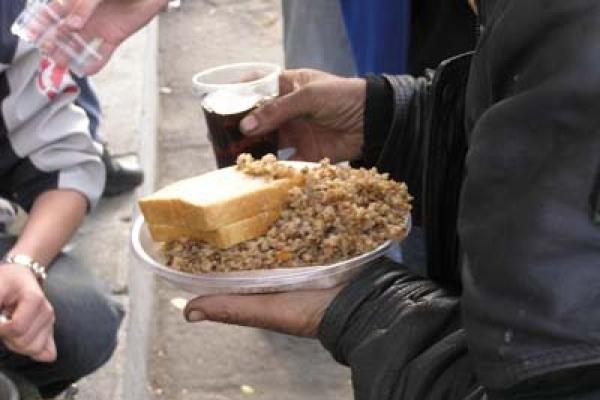 У Львові функціонують безкоштовні їдальні для бездомних та потребуючих. Адреси