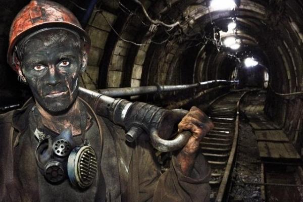 Обвал на шахті: у Львівській області під землею заблокувало чотирьох гірників