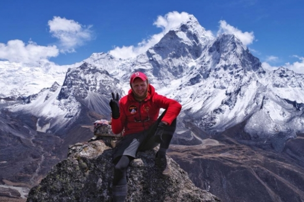 Львів'янин вперше піднявся на Еверест. Завтра він повертається додому