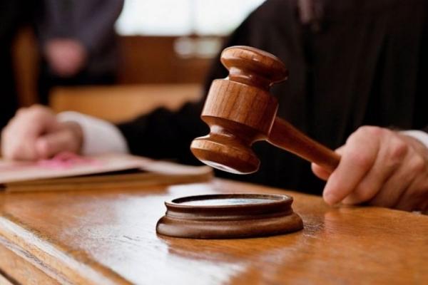Суд звільнив від покарання львів'янина, який із викруткою напав на працівників центру зайнятості