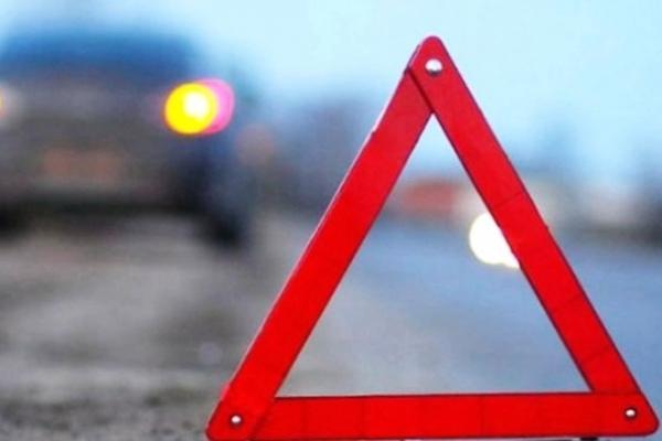 На Львівщині легковик збив двох хлопців