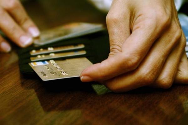 З банківської картки директорки одного з позашкільних закладів Стрия викрали ₴9 тис.