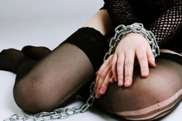 На Львівщині матір продала 17-річну доньку у бордель