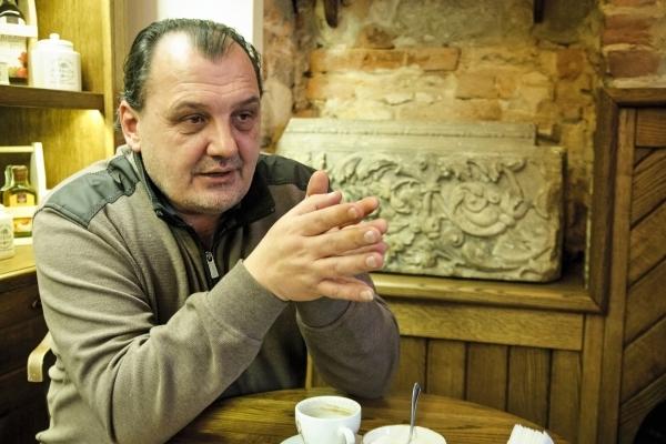 Художник Тарас Григорук продає свої картини на західних аукціонах, ніколи не малює напідпитку і кожну важливу справу починає з молитви