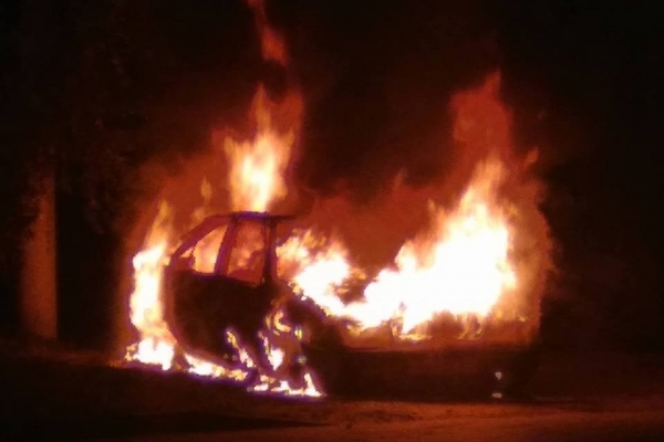 На вулиці Шевченка у Львові вщент згорів автомобіль
