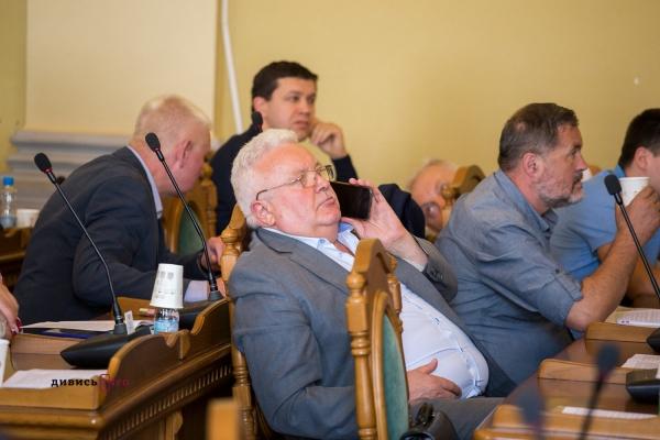 Депутати погодили виділення землі колишньому меру Львова