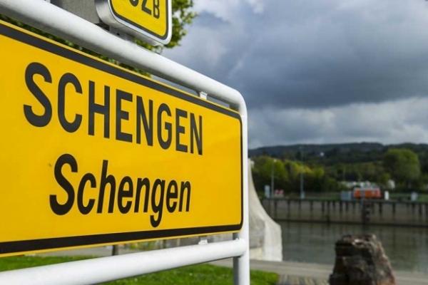 7 євро за в'їзд до Шенгену: Європарламент затвердив нову систему перевірки