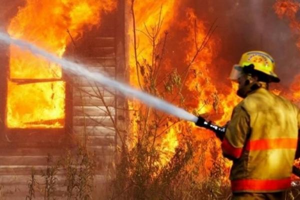 Жахлива пожежа на Львівщині: хлопець згорів у власному будинку