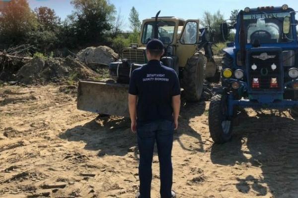 На Львівщині викрили групу «підприємців», які незаконно видобували пісок