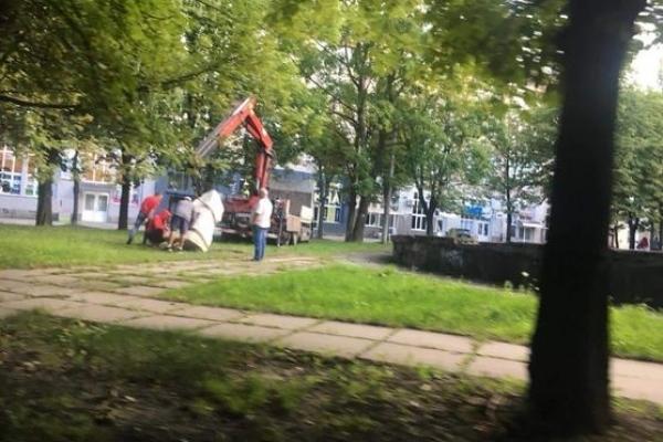 У Львові спробували вкрасти пам'ятний знак героям УПА