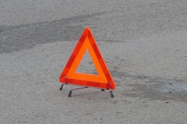 У селі на Львівщині автомобіль збив літнього пішохода