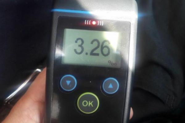 Львівський таксист перевищив допустиму норму алкоголю більш ніж у 16 разів