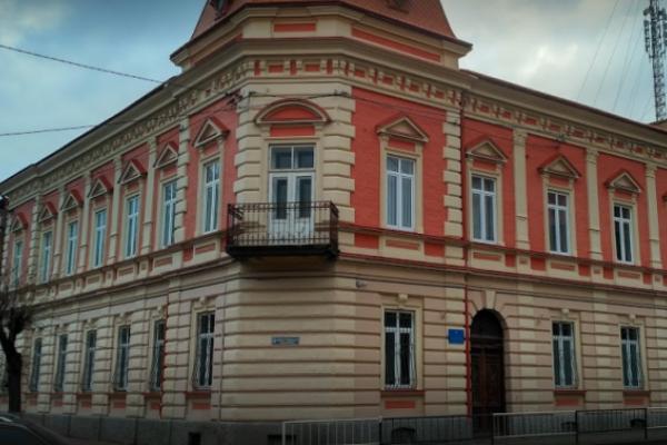 На Львівщині судитимуть обвинуваченого у вбивстві жінки сокирою
