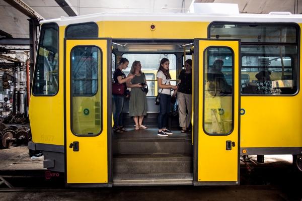 Як виглядають трамваї, які Львів закупив з Німеччини (Відео)