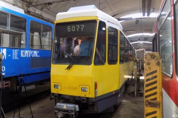 Обережно, двері не відчиняються: як Львів купив трамваї у Берліна (Відео)