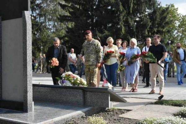 На Львівщині віддали шану загиблим на Сході України десантникам