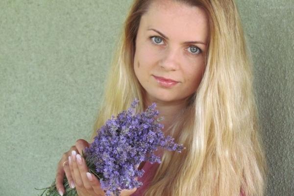Юлія Главко в декреті почала заробляти на виробах з лаванди