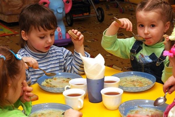 У Львові дві фірми намагалися нагріти руки на харчуванні шкіл та дитсадків