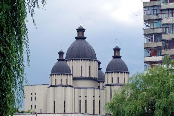 У львівському храмі на чоловіка впала балка