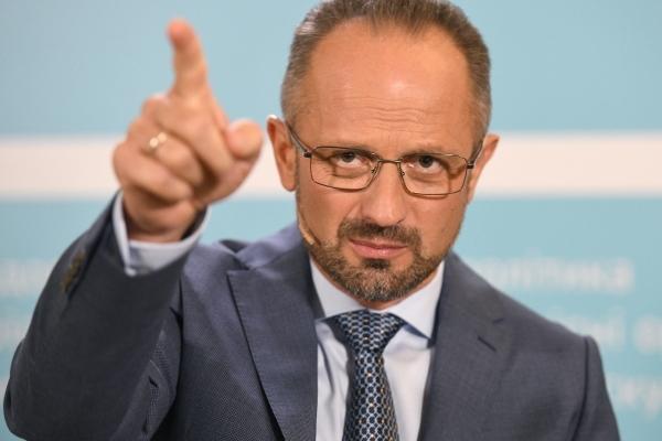 Україна має викинути резидентуру в рясах - Безсмертний