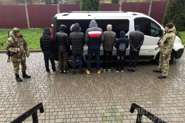 Громадянин РФ привіз на Львівщину нелегальних мігрантів