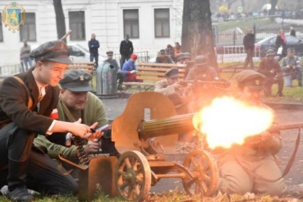 У львівському парку відбулась історична реконструкція бою Української Галицької Армії