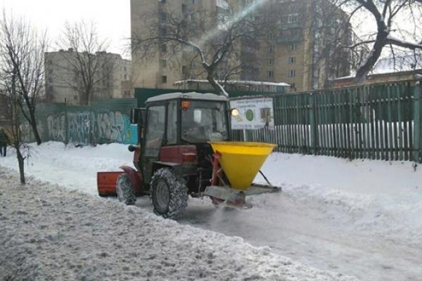 Взимку центральні вулиці міста посипатимуть реагентами