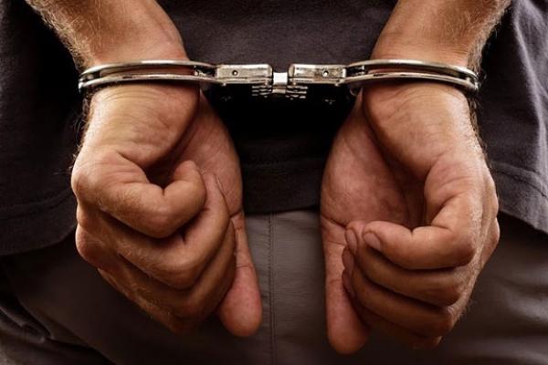 У Червонограді на «гарячому» затримали наркоторговця