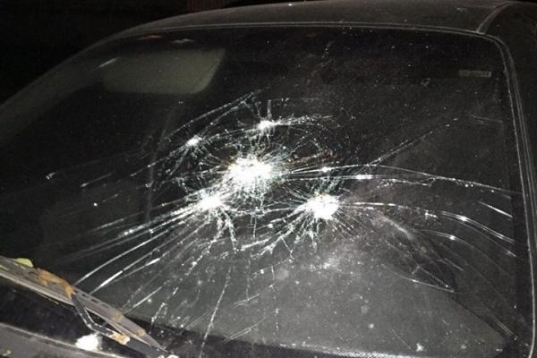 У Львові невідомий стріляв по автівках (Фото)
