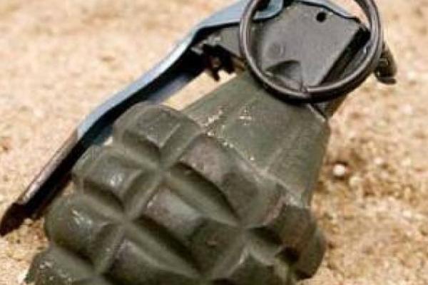 На Сихові біля магазину виявили гранату