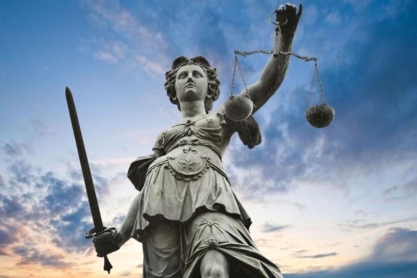Шахраю з Городка загрожує 4 роки в'язниці