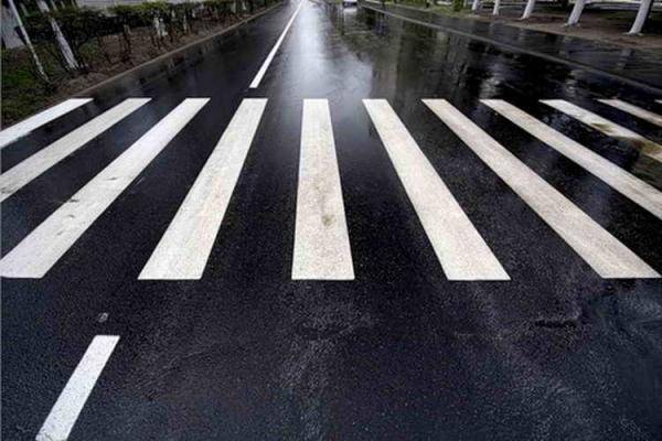 На Львівщині побудують більше 200 пішохідних переходів